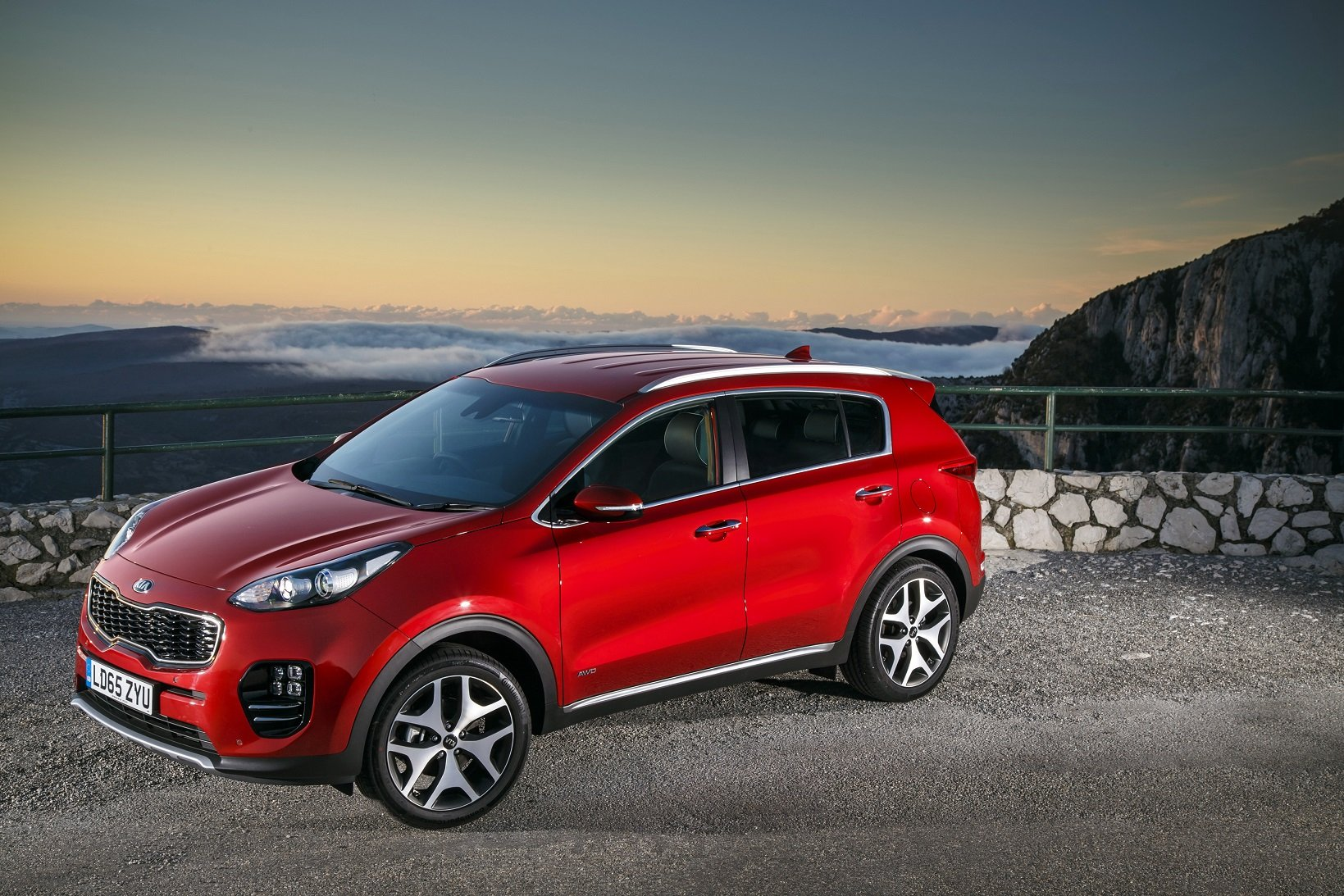 2016 cars uk version kia sportage suv gt line red wallpaper 1639x1093 887258 wallpaperup. Black Bedroom Furniture Sets. Home Design Ideas