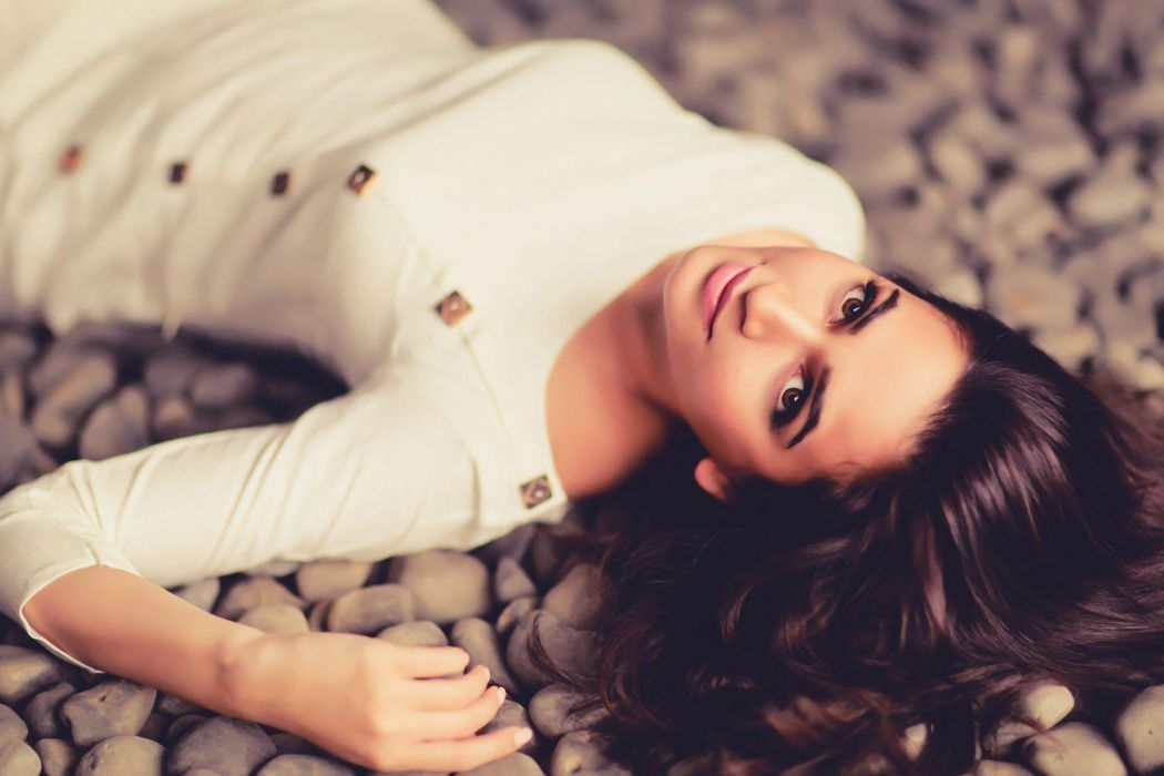Kriti Kharbanda bollywood actress model girl beautiful brunette pretty cute beauty sexy hot pose face eyes hair lips smile figure indian  wallpaper