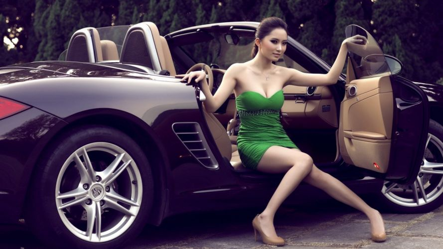 model girl beautiful brunette pretty cute beauty sexy pose face eyes smile hair lips figure wallpaper