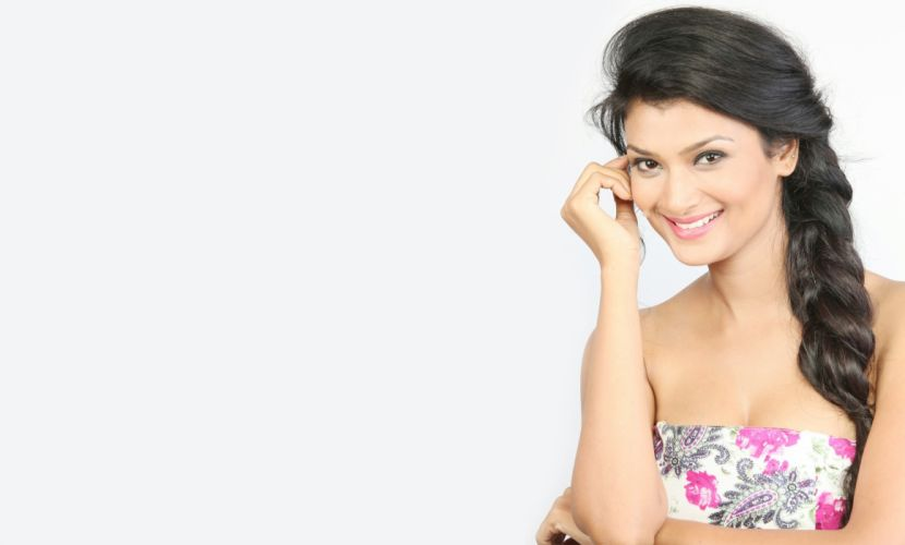 ishita vyas bollywood actress model girl beautiful brunette pretty cute beauty sexy hot pose face eyes hair lips smile figure indian wallpaper
