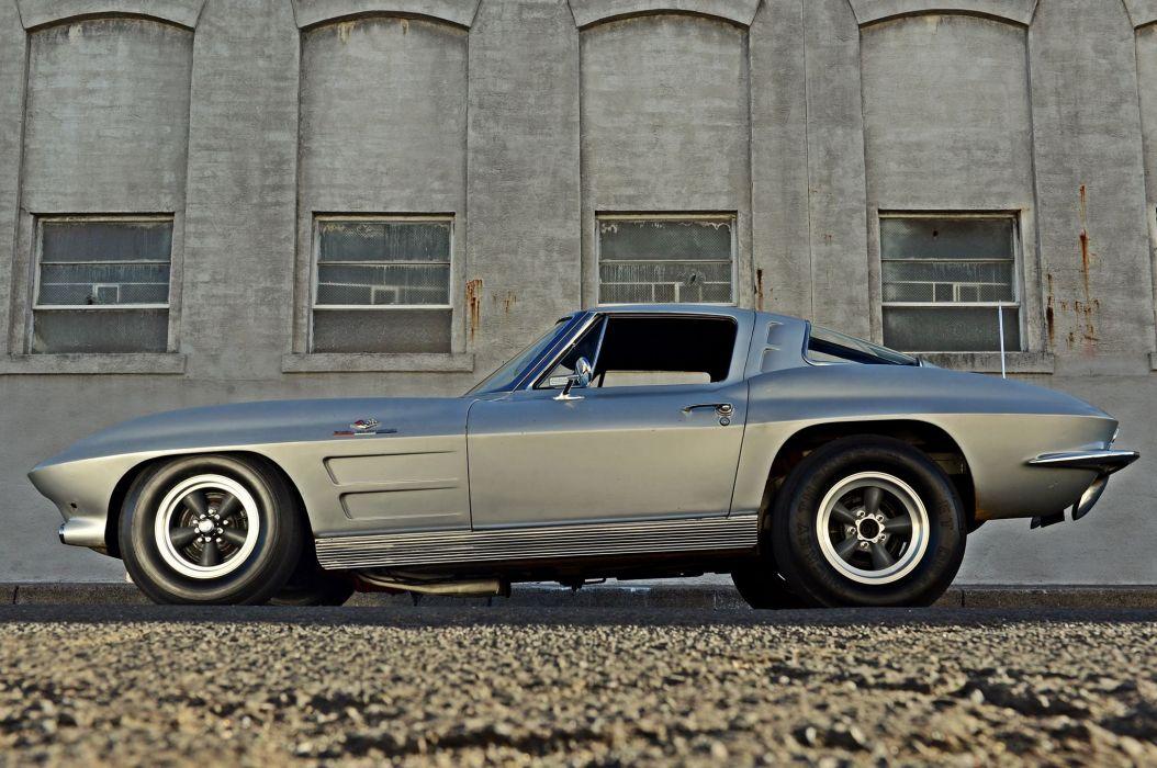 Vintage 1963 Chevrolet Corvette Split-Window Coupe Racecar wallpaper