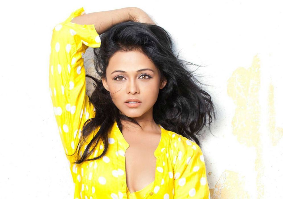 Prarthana Behere bollywood actress model girl beautiful brunette pretty cute beauty sexy hot pose face eyes hair lips smile figure indian  wallpaper