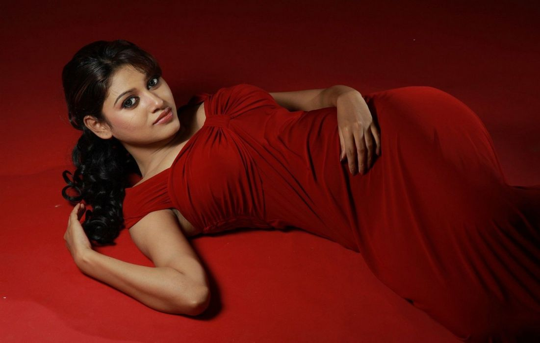 Oviya bollywood actress model girl beautiful brunette pretty cute beauty sexy hot pose face eyes hair lips smile figure indian saree sari wallpaper