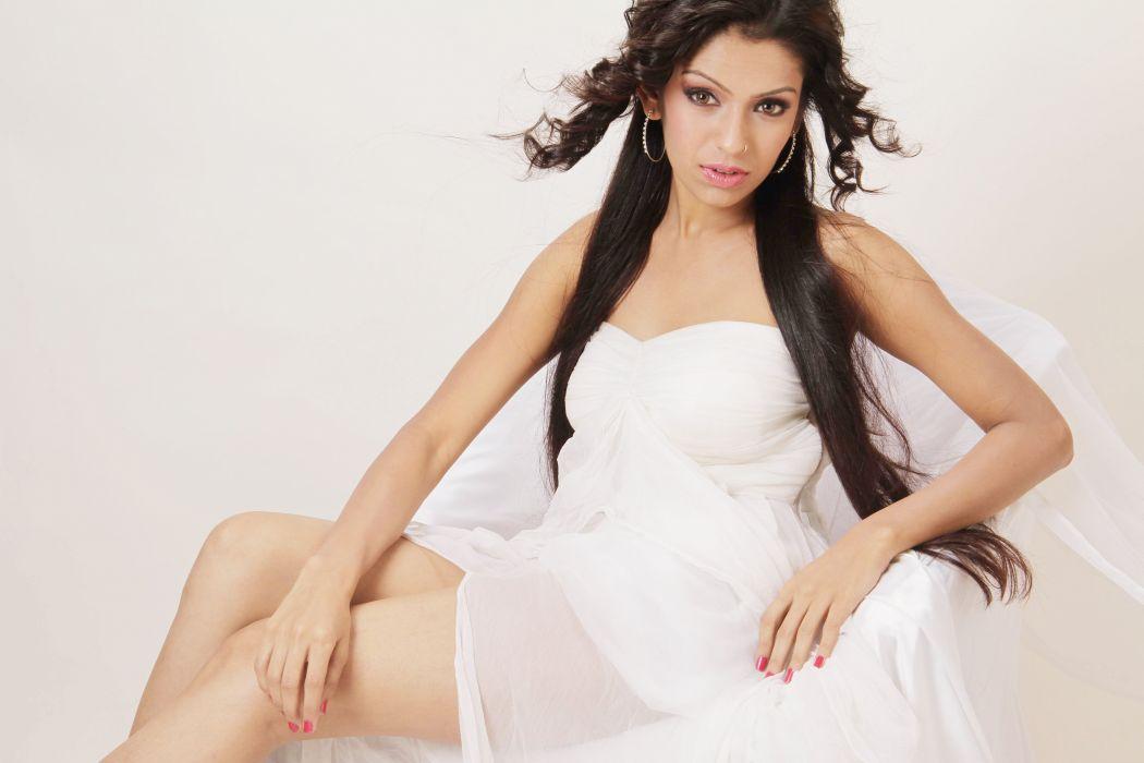 Pratiti Shah bollywood actress model girl beautiful brunette pretty cute beauty sexy hot pose face eyes hair lips smile figure indian  wallpaper