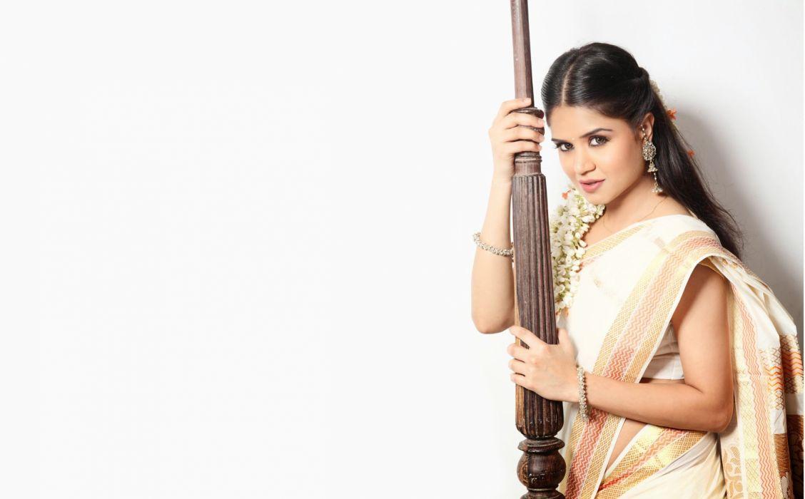 Ranjana Mishra bollywood actress model girl beautiful brunette pretty cute beauty sexy hot pose face eyes hair lips smile figure indian saree sari wallpaper