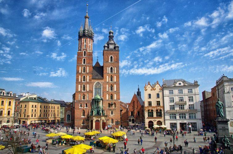 Houses People Poland Street St Mary's Basilica Krakow Cities wallpaper