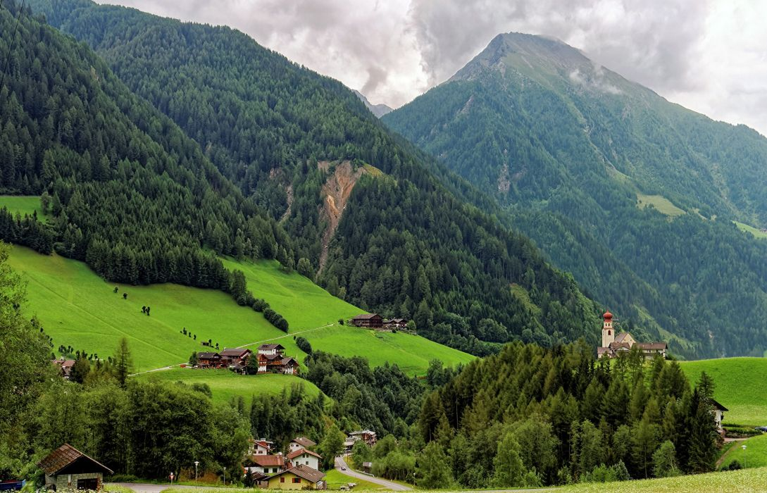 Italy Scenery Mountains Forests Houses Grasslands Small towns Fundres Nature Cities wallpaper