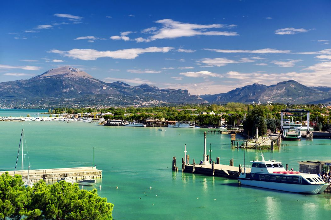 Lake Italy Houses Mountains Marinas Scenery Ships Sky Peschiera Garda Veneto Cities wallpaper