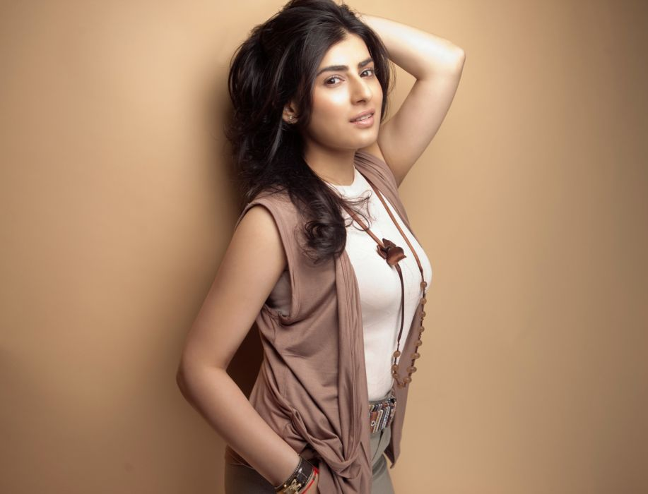 Actress-Archana-Veda-Latest-Photoshoot-HD-Images-12 wallpaper