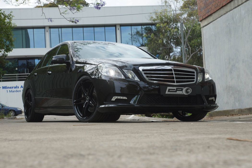 Mercedes Benz E500 black HRE wheels wallpaper