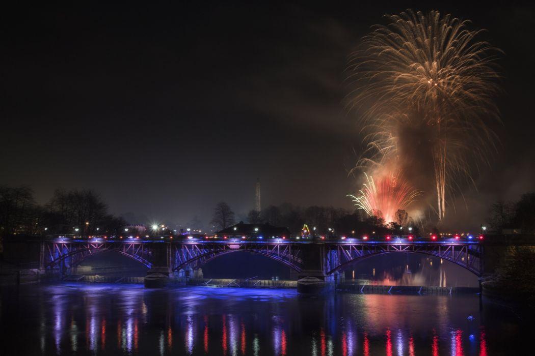 Scotland Rivers Bridges Fireworks Night Glasgow Cities wallpaper
