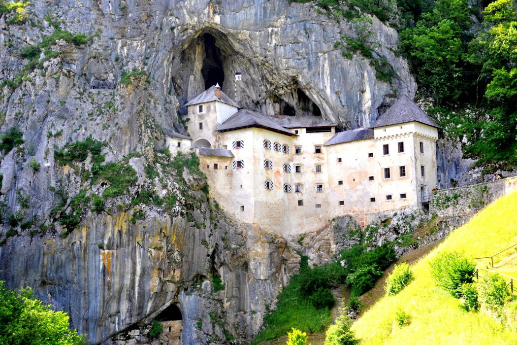 Slovenia Castles Crag Castell de Predjama Cities wallpaper