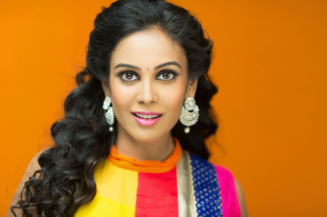 chandini sreedharan bollywood actress model girl beautiful brunette pretty cute beauty sexy hot pose face eyes hair lips smile figure indian  wallpaper