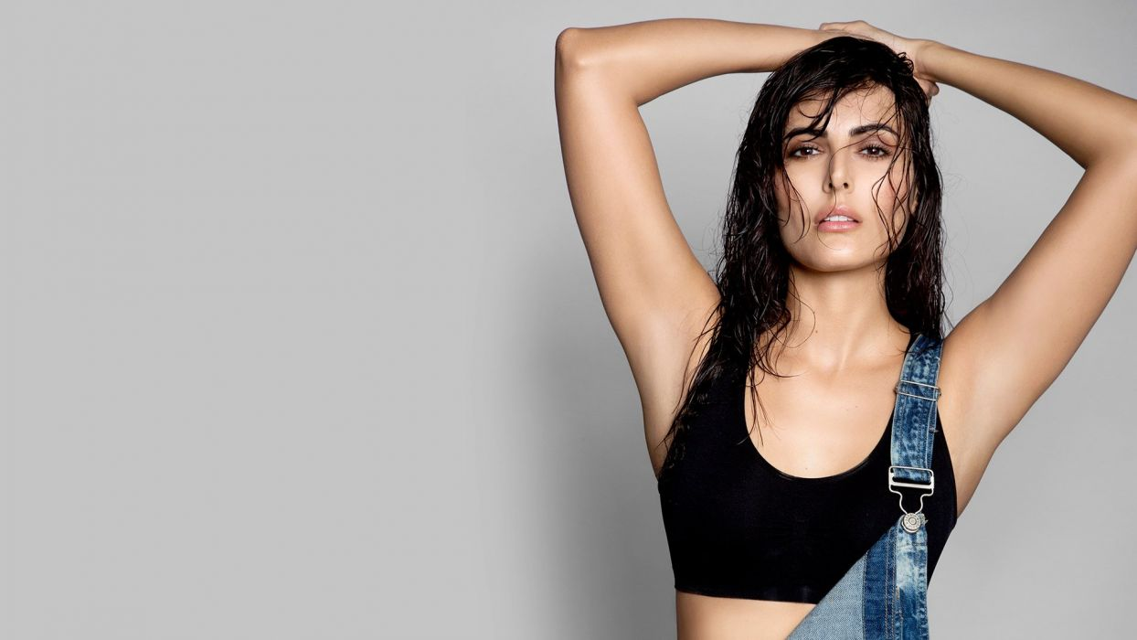mandana karimi bollywood actress model girl beautiful brunette pretty cute beauty sexy hot pose face eyes hair lips smile figure wallpaper