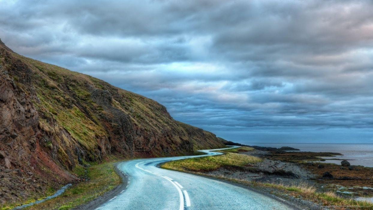 carretera curva montes nubes naturaleza wallpaper