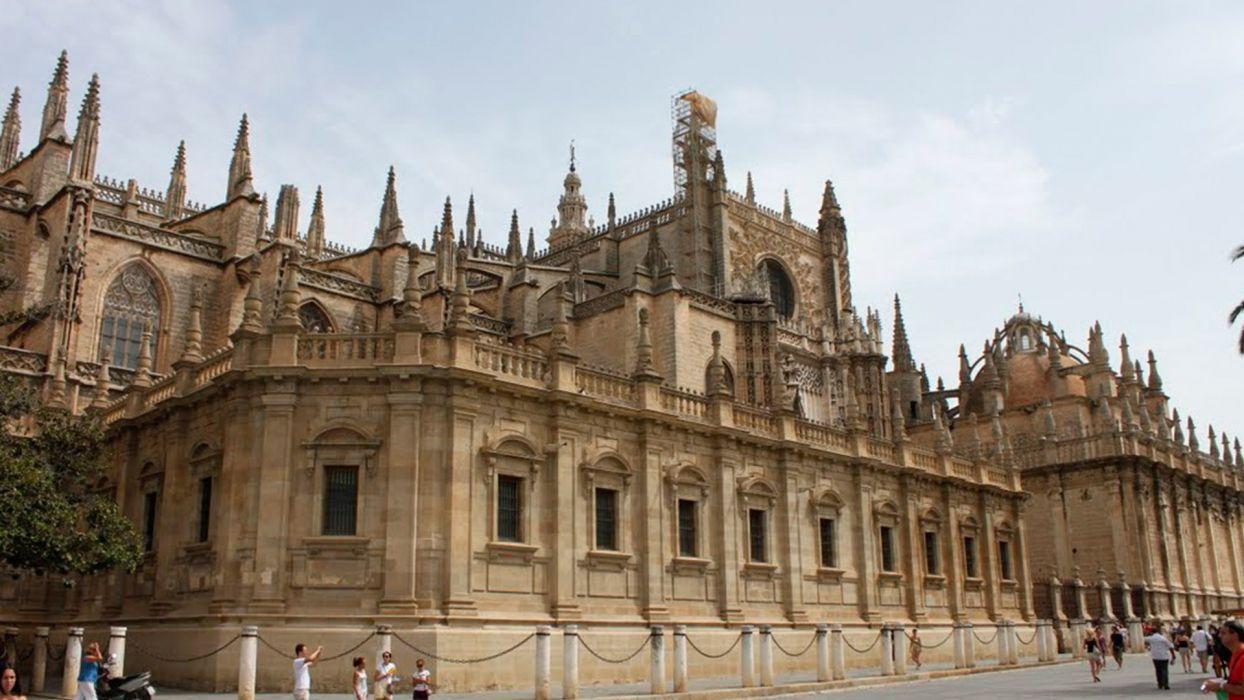 catedral santa maria de la sede sevilla espaA wallpaper
