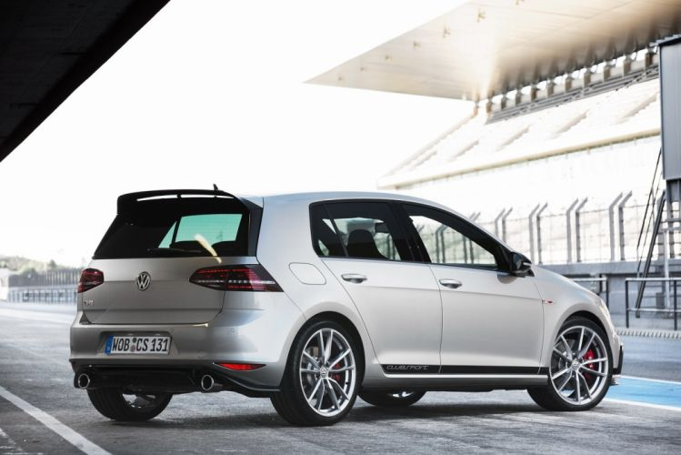 Volkswagen Golf GTI Clubsport 5-door (Typ 5G) cars 2015 wallpaper