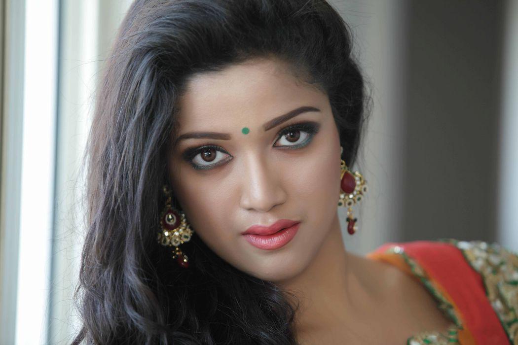 Abhirami Suresh bollywood actress model girl beautiful brunette pretty cute beauty sexy hot pose face eyes hair lips smile figure indian  wallpaper
