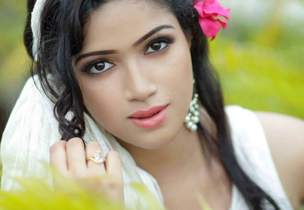 Abhirami Suresh bollywood actress model girl beautiful brunette pretty cute beauty sexy hot pose face eyes hair lips smile figure indian  wallpaper