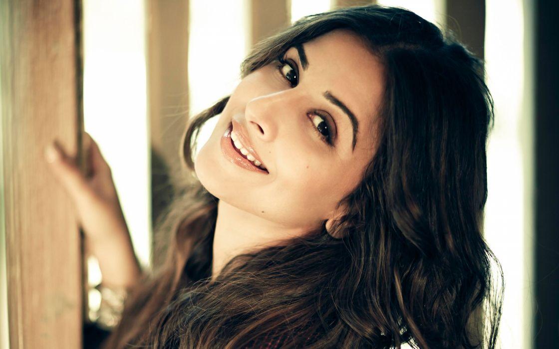vidya balan bollywood actress model girl beautiful brunette pretty cute beauty sexy hot pose face eyes hair lips smile figure indian  wallpaper