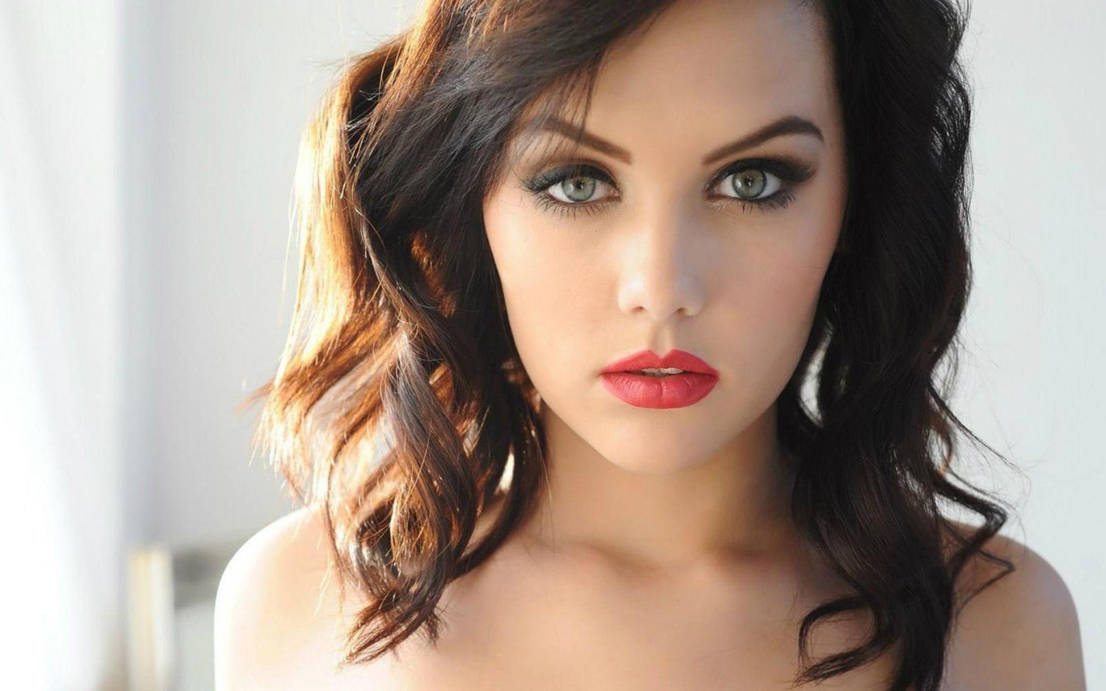 Marilyn monroe eyeliner trick