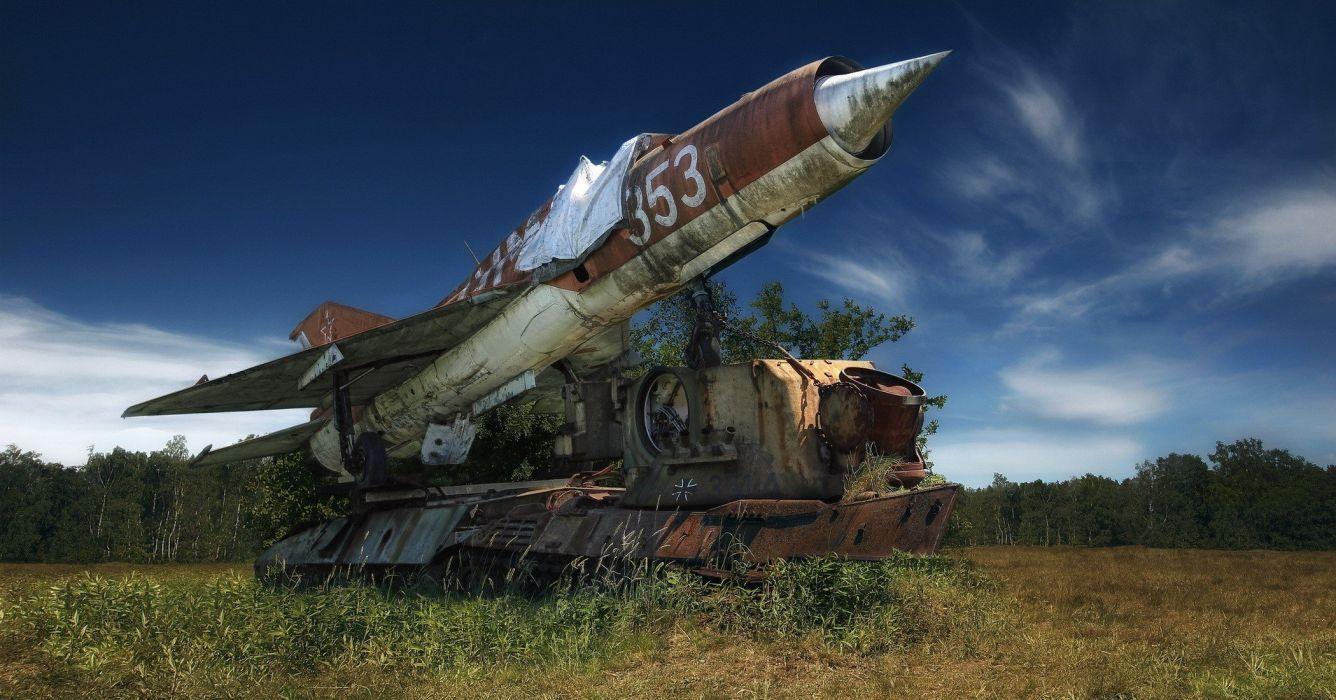 viejo avion combate camion hiebas wallpaper