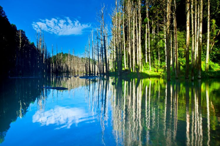 sky mountains lake trees reflection wallpaper