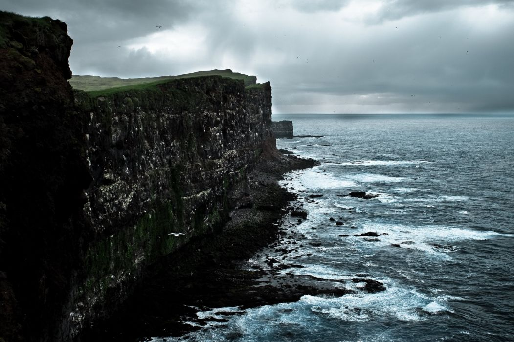 Iceland sea cliff wallpaper