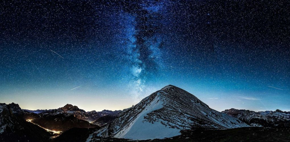 Milky Way Mountains Stars wallpaper