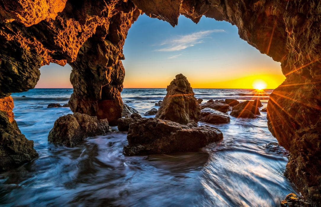 USA Sea Scenery Malibu Crag Rays of light Nature wallpaper