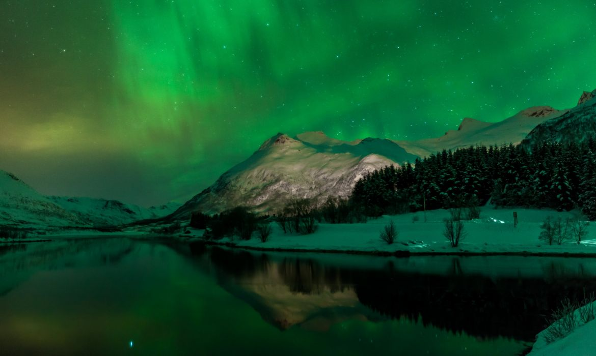 Norway Scenery Mountains Lake Winter Snow Night Svolvaer Nature wallpaper