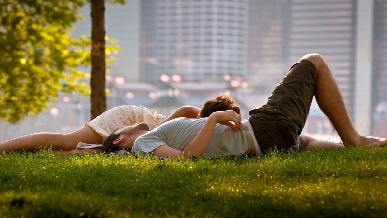 amor pareja acostados hierba wallpaper