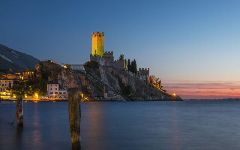 Italy Houses Castles Sea Crag Night Street lights Malcesine Veneto Cities wallpaper