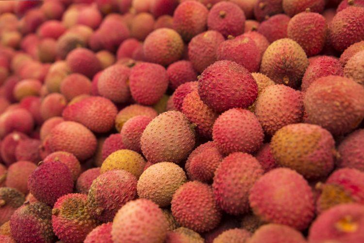 litchi fruit many ripe wallpaper