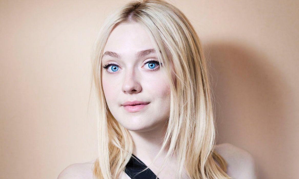 dakota fanning actress blonde blue eyed girl female wallpaper