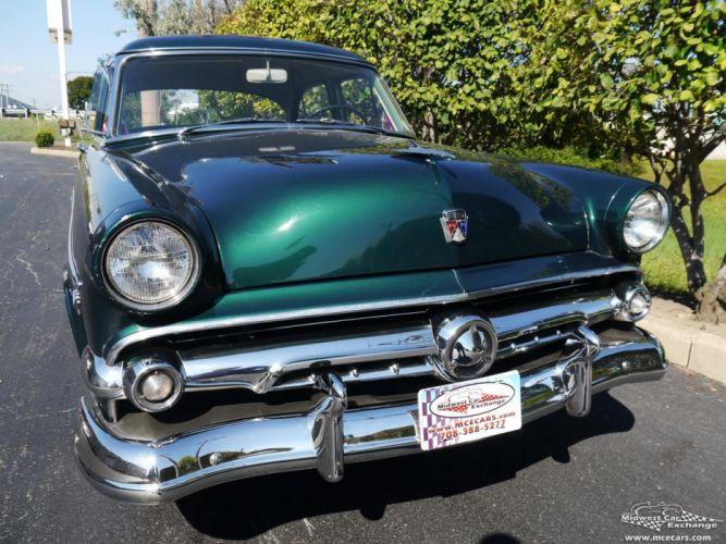 1954 Ford Crestline Four Door Classic Old Vintage Original USA -05 wallpaper