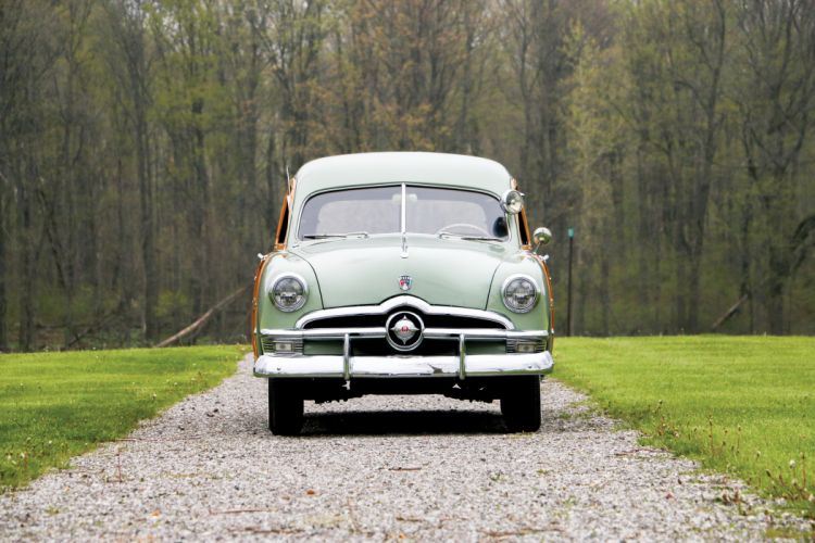 1950 Ford Custom DeLuxe Country Squire stationwagon retro woody wallpaper
