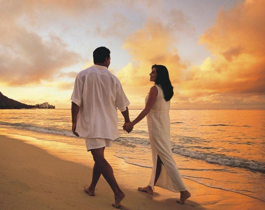 pareja amor paseo playa wallpaper