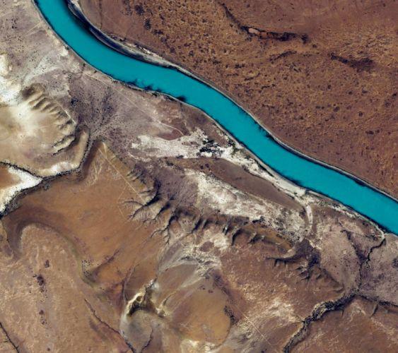 rio desierto cauce naturaleza wallpaper