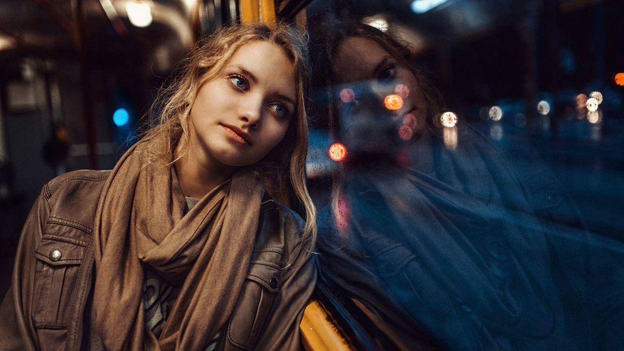 mood girl woman night light city blonde wallpaper