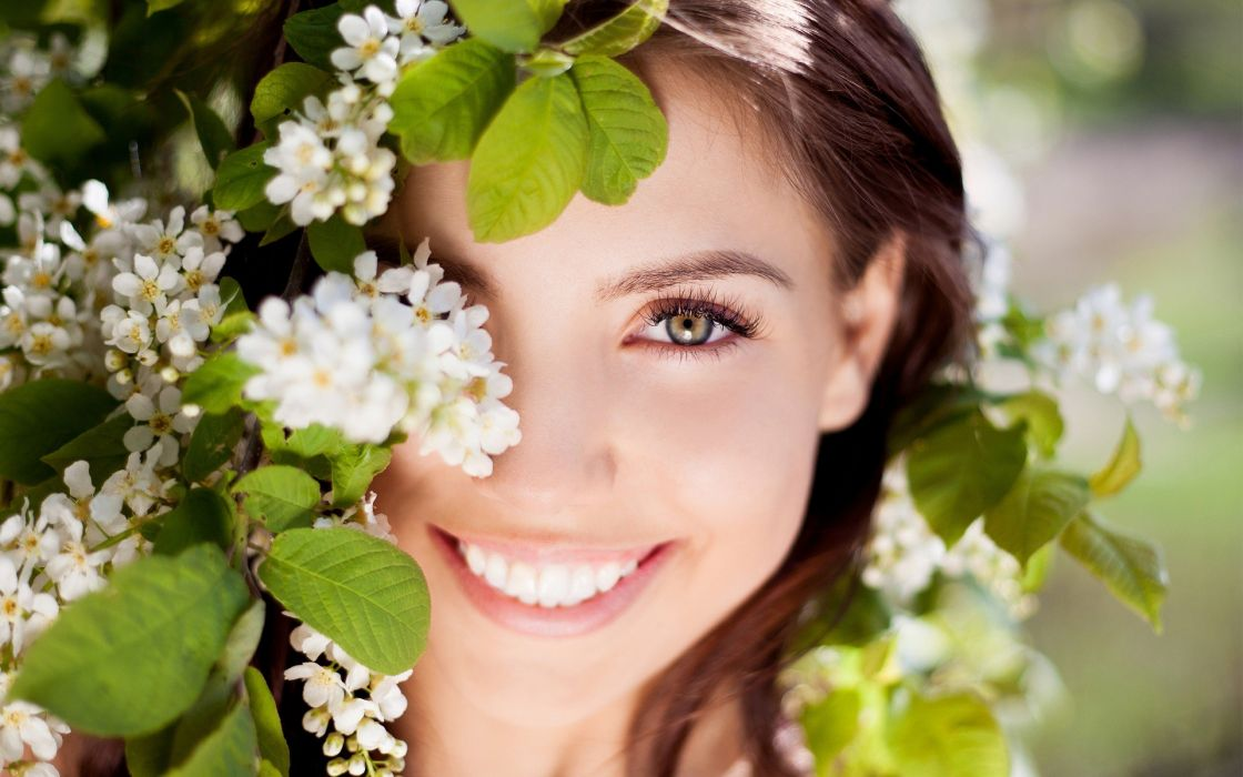 woman smile beautiful girl flower spring female wallpaper