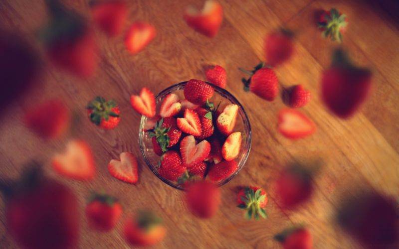 Dainty strawberry fruits delicious wallpaper