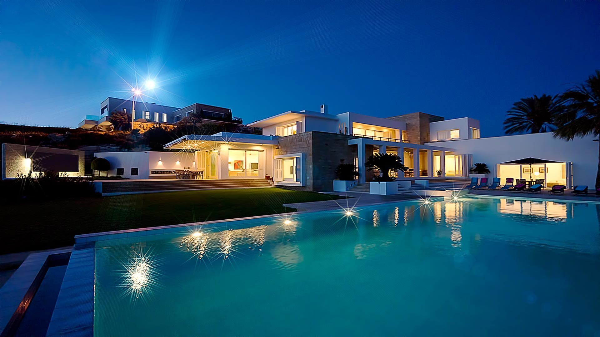 Mansion house architecture luxury building design for Beautiful villas pics