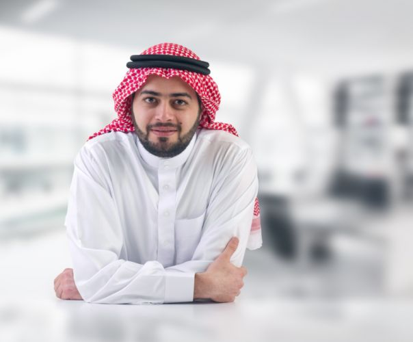 hombre arabe turbante chilaba blanca wallpaper