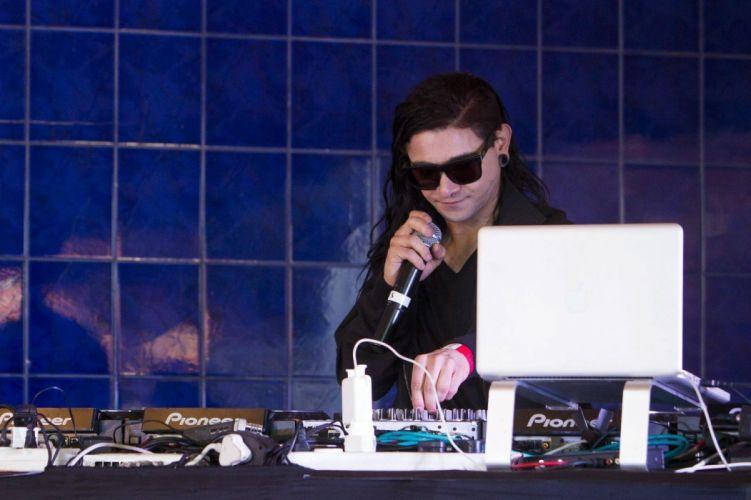 SKRILLEX dubstep electro house dance disco electronic robot cyborg wallpaper