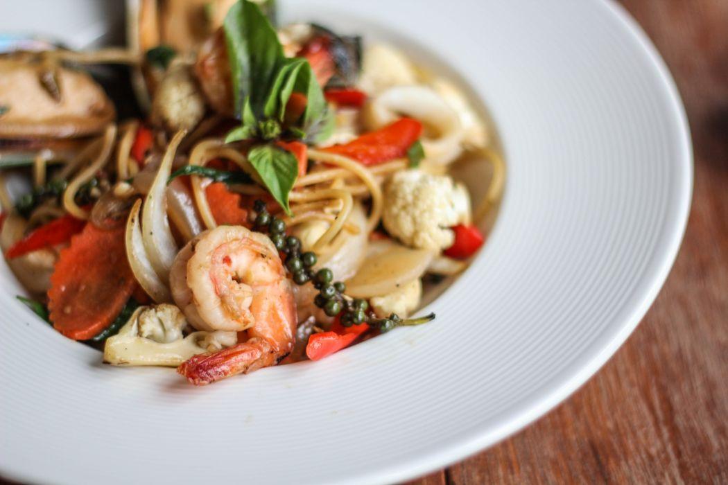 spaghetti food seafood dish wallpaper
