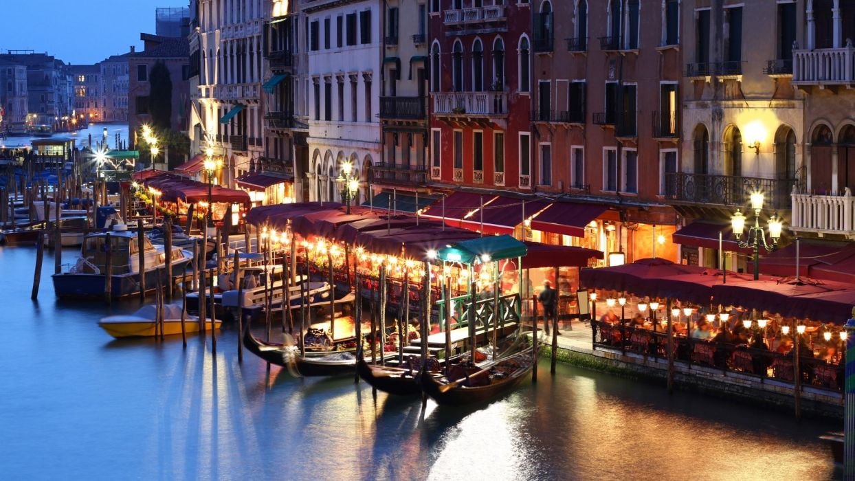 lights gondola houses people Venice Italy boat evening cafes buildings canal wallpaper