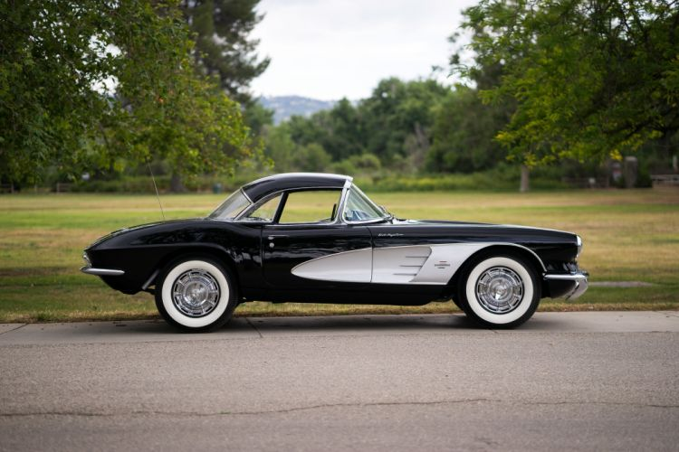 1961 Chevrolet Corvette Fuel Injection 283 315HP muscle supercar classic wallpaper