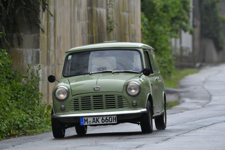1960 Austin Mini Van ADO15 classic wallpaper