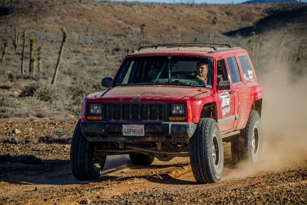 1998 Jeep Cherokee XJ offroad 4x4 custom truck suv stationwagon wallpaper